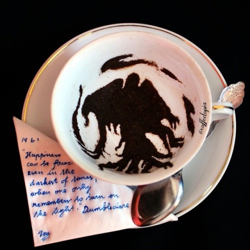 11-ghidaq-al-nizar-coffee-art-taking-part-in-coffeetopia-www-designstack-co
