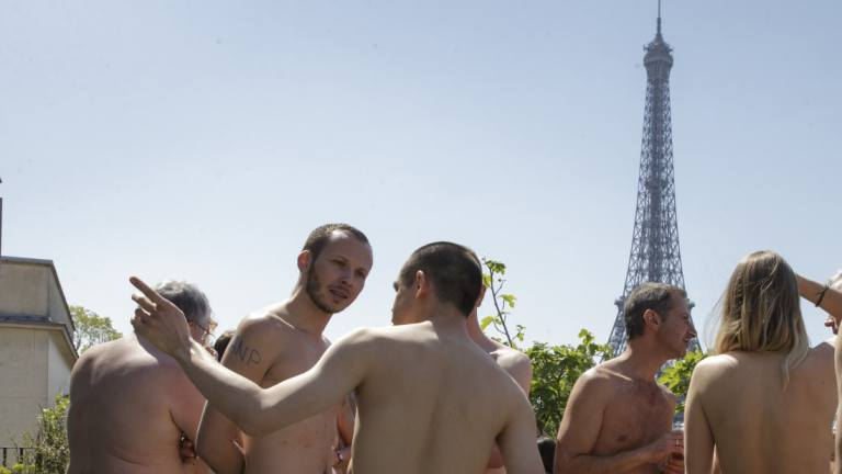 Paris museum opens its doors to nudists