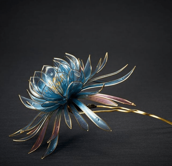 Hair Accessories As A Work Of Art