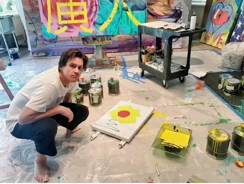 Jim Carrey Drew His Paintings for Last 6 Years and is Ready to Present his Work