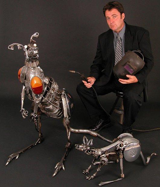 Scrap metal sculptures: an original art direction
