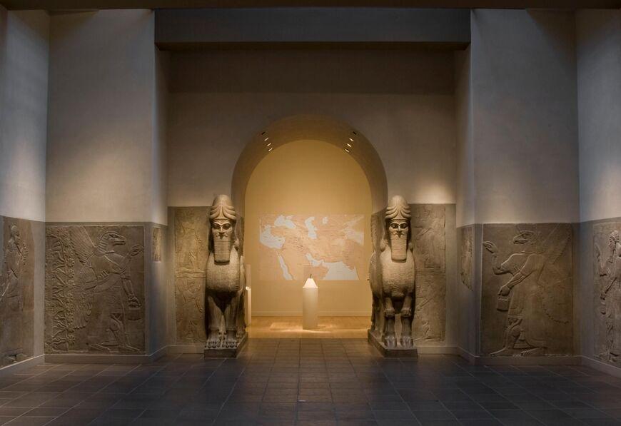The Metropolitan Museum of Art Is Waiting For Visitors