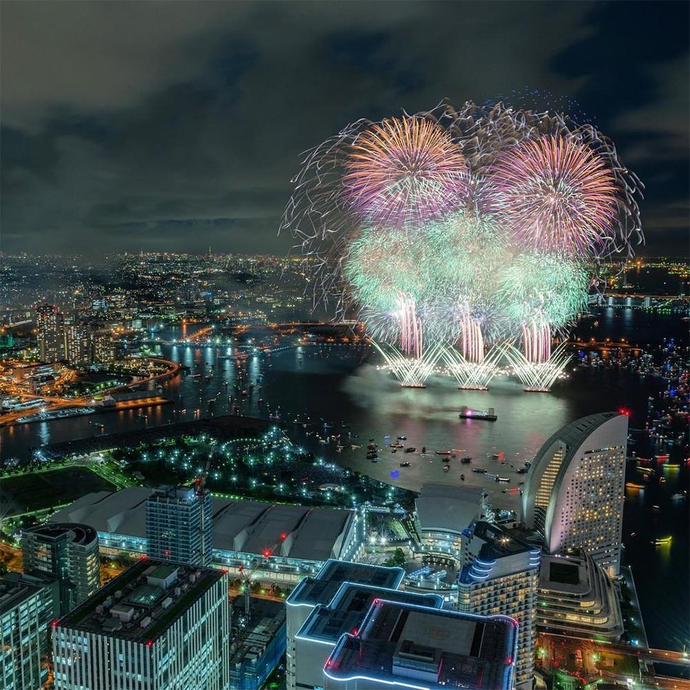 Magnificent Photographs of Japan's Summer Firework Festivals