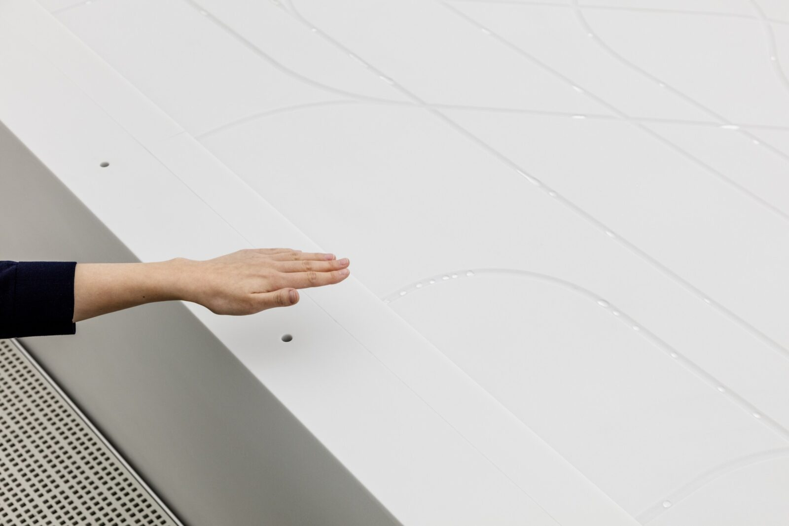 The Darkest Building on Earth: Hyundai Pavilion Covered with Vantablack VBx2