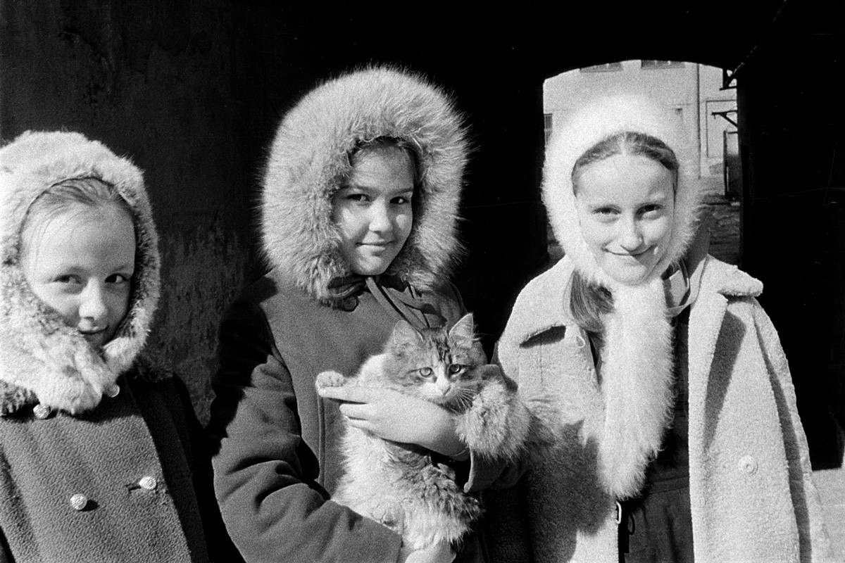 Over 30,000 Negatives Discovered in Russian Artist's Attic Reveal a Lifetime of Hidden Photography