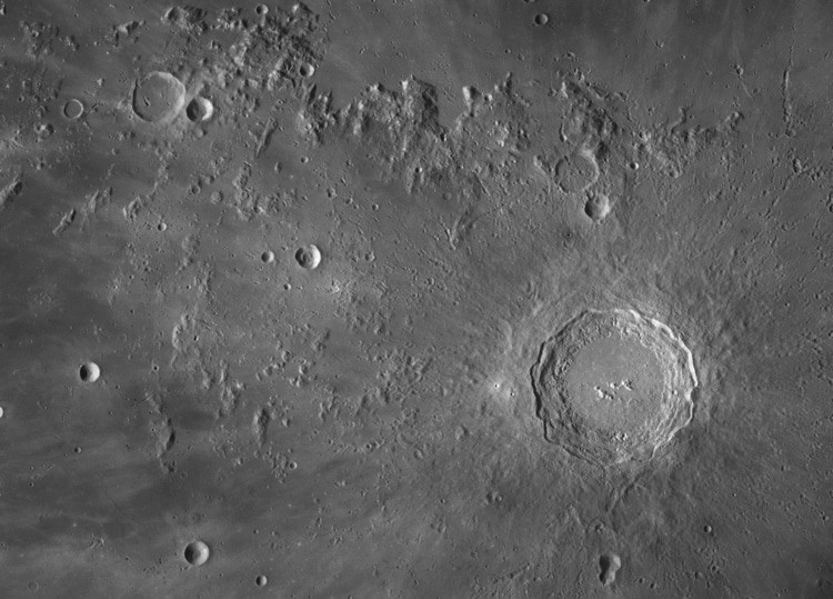 NASA Placed 100-megapixel Photos With The Incredible Details of Moon's Surface