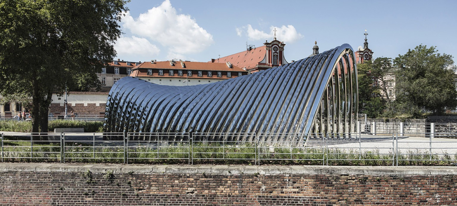 An Inflated Steel Archway Provides a New Cultural Nexus on a Polish Island